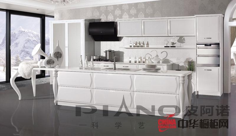 白色烤漆橱柜图片 简约风格皮阿诺橱柜图片 明净的整体厨房装效果图欣赏
