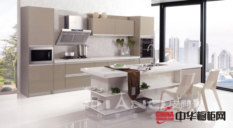香槟色烤漆整体橱柜效果图 皮阿诺整体橱柜设计图 2012年厨房橱柜装修
