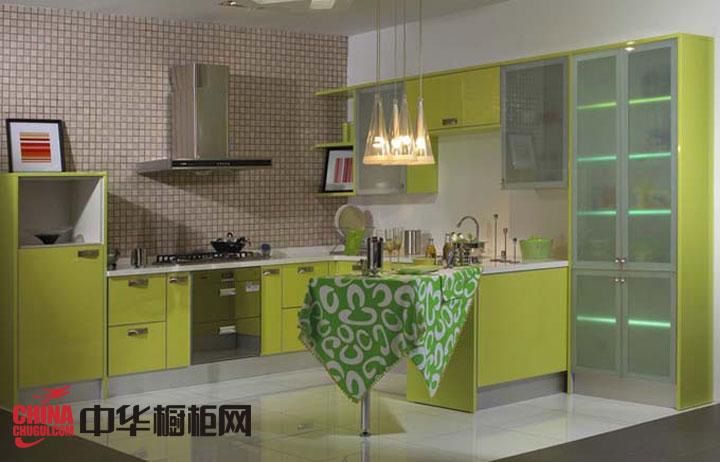 浅绿色烤漆不锈钢橱柜图片-简约风格好太太橱柜图片-2012年最新款整体橱柜图片展示
