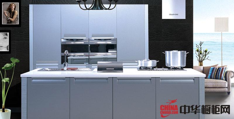 淡蓝色烤漆橱柜图片 简约风格金牌厨柜图片 2012年最新款整体橱柜图片欣赏