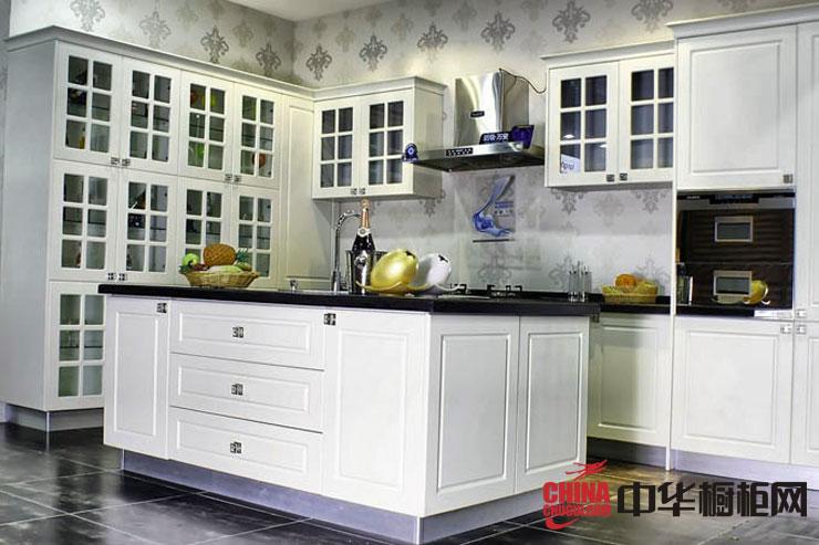 欧式橱柜图片大信橱柜效果图 白色实木橱柜图片展示厨房装修的欧式风格的气息