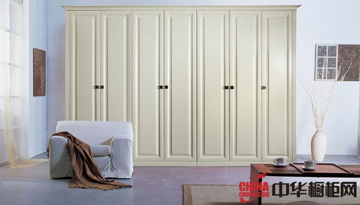 白色烤漆大衣柜效果图 简约风格2012最新款整体衣柜图片