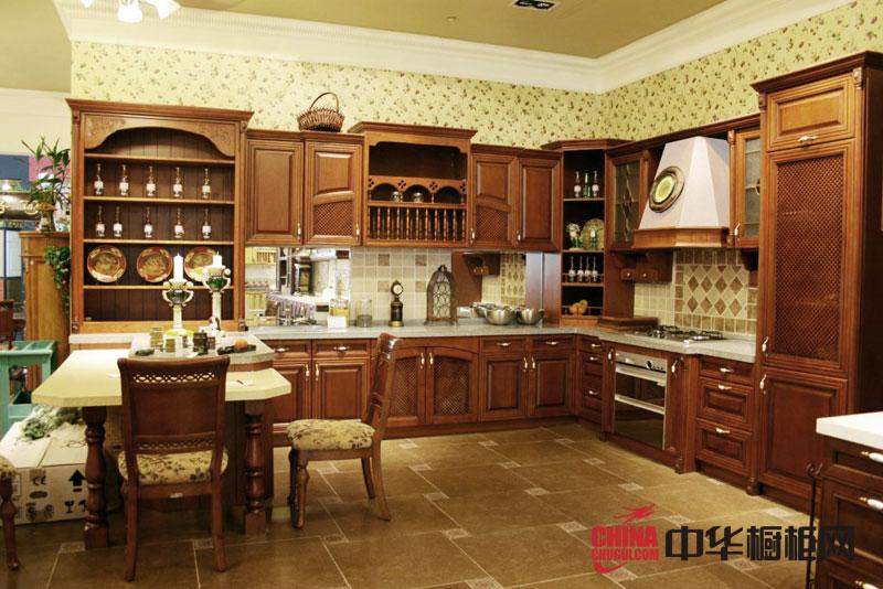 古典风格整体橱柜效果图 欧式实木橱柜图片展示