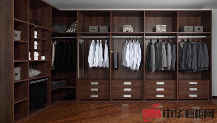 古典风格整体衣柜图片 实木衣柜设计图展示高贵与典雅