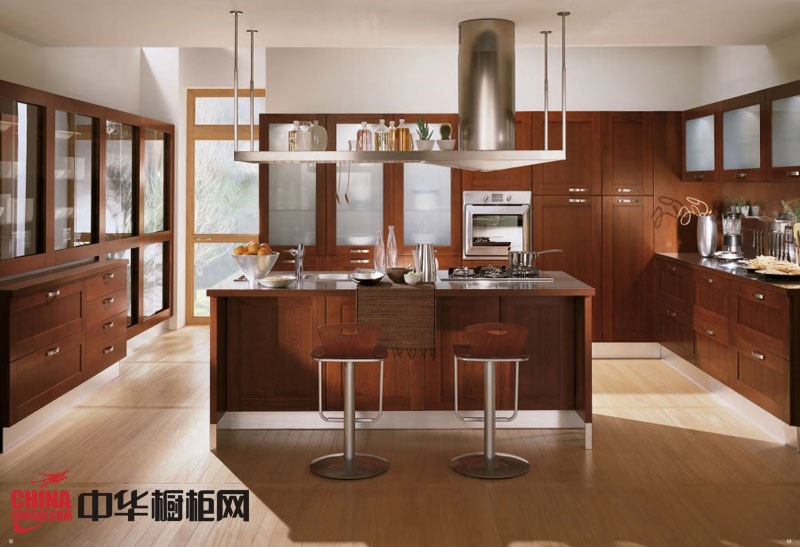 古典风格实木橱柜图片 开放式厨房装修效果图