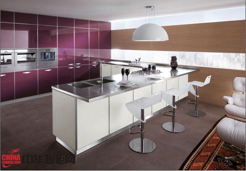 厨房整体橱柜效果图 紫色烤漆橱柜图片欣赏