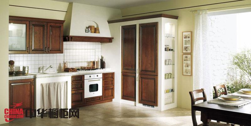 欧式田园风格整体橱柜效果图 褐色实木橱柜图片 开放式橱柜设计图欣赏