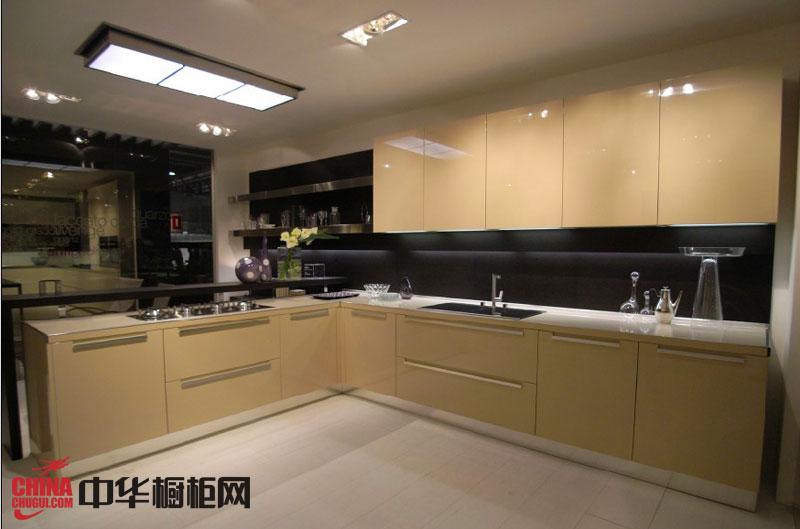 香槟色整体橱柜效果图 l型厨房橱柜图片 2012最新款整体橱柜图片欣赏