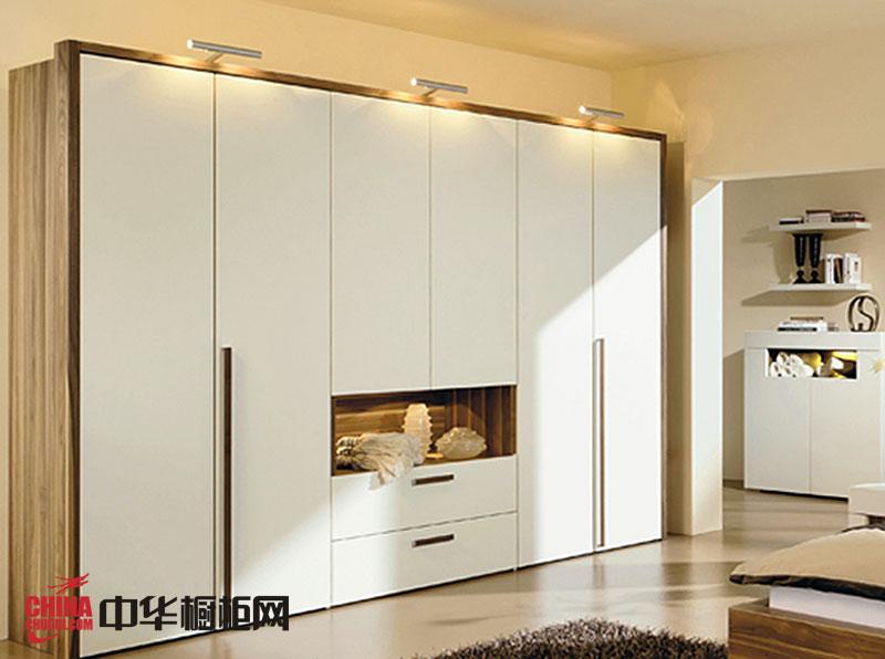 白色烤漆大衣柜效果图 简约风格整体衣柜图片 卧室衣柜装修效果图
