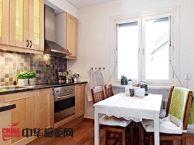 田园风格整体橱柜效果图 原木色实木橱柜图片 小厨房装修效果图