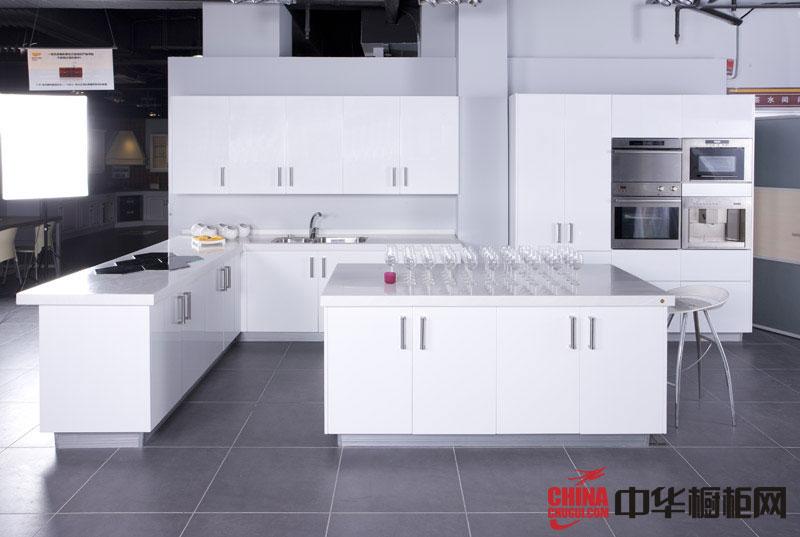 现代时尚风格我乐橱柜图片 纯白色烤漆橱柜图片 开放式橱柜设计图欣赏