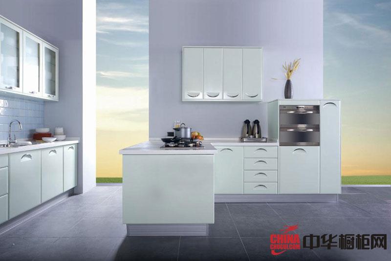 现代风格整体橱柜设计效果图 浅蓝色烤漆橱柜图片 厨房整体橱柜效果图