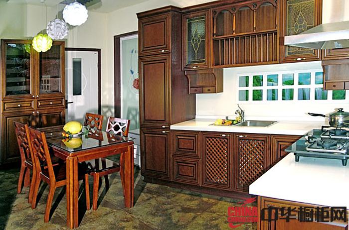 古典风格整体橱柜效果图 厨房装修效果图大全2012图片