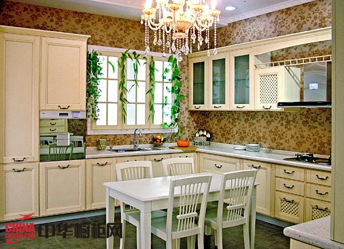 田园风格整体橱柜设计效果图 实木厨房橱柜效果图欣赏