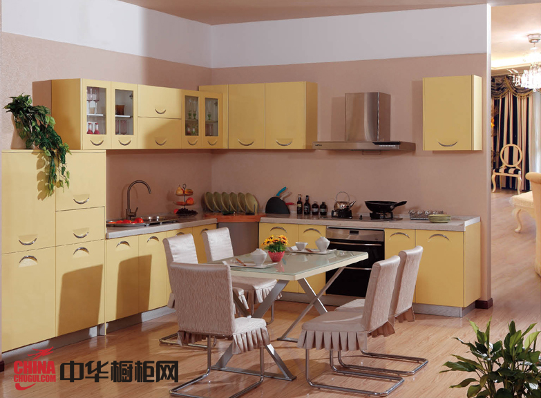 淡黄色烤漆橱柜图片 简约风格厨房装修效果图欣赏