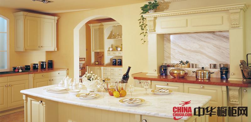欧式田园风格橱柜装修设计效果图 米白色实木橱柜图片欣赏