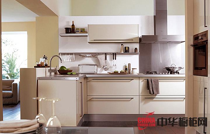 乳白色烤漆橱柜效果图 简约风格不锈钢整体橱柜设计图片展示