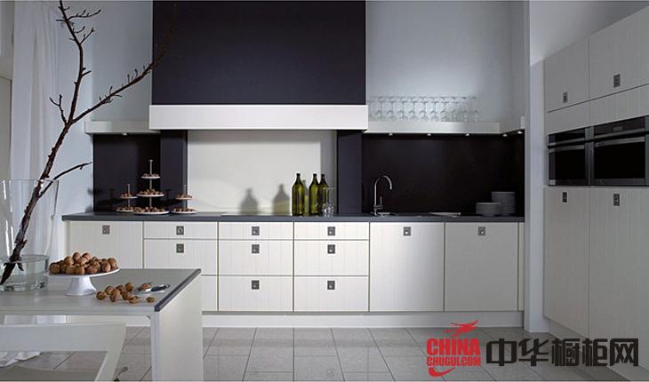 纯白色烤漆整体橱柜效果图 厨房装修效果图大全2012图片