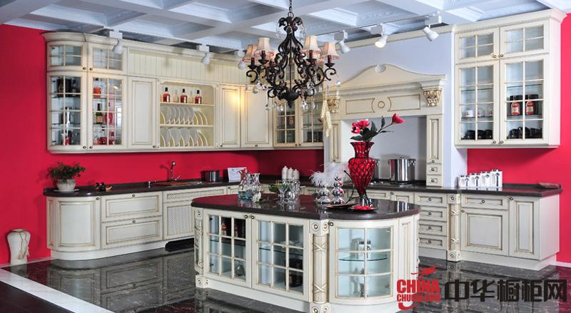 白色欧式实木橱柜图片 厨房装修效果图欣赏