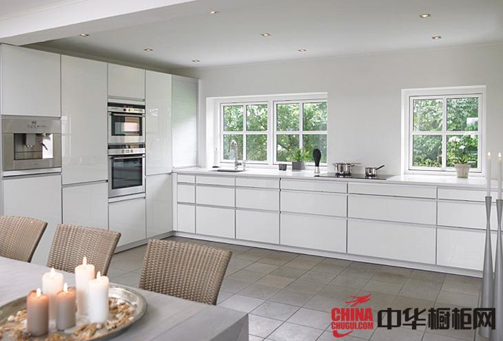 简约风格欧意橱柜效果图-雅典娜 白色烤漆橱柜图片展示精致优雅