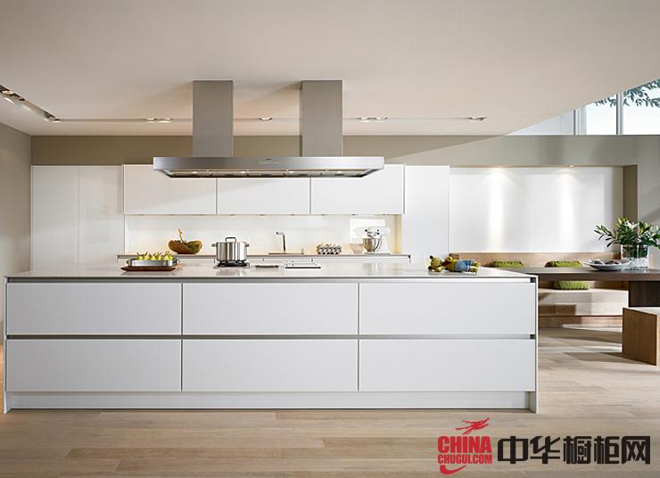 时尚白色烤漆橱柜图片 厨房装修效果图大全