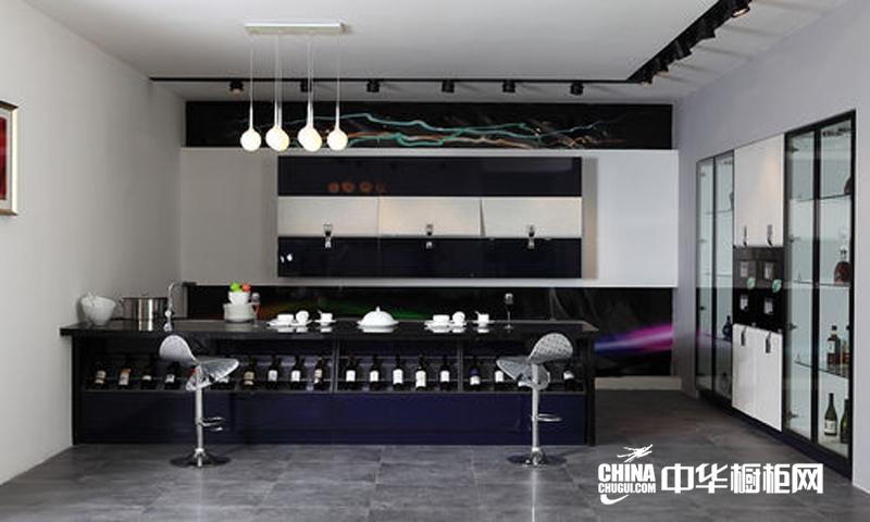 时尚厨房装修设计效果图片 黑色简约吧台式橱柜设计图
