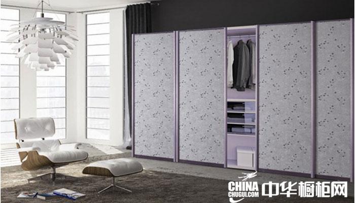 最新款推拉门整体衣柜效果图 紫色门板整体衣柜效果图片欣赏
