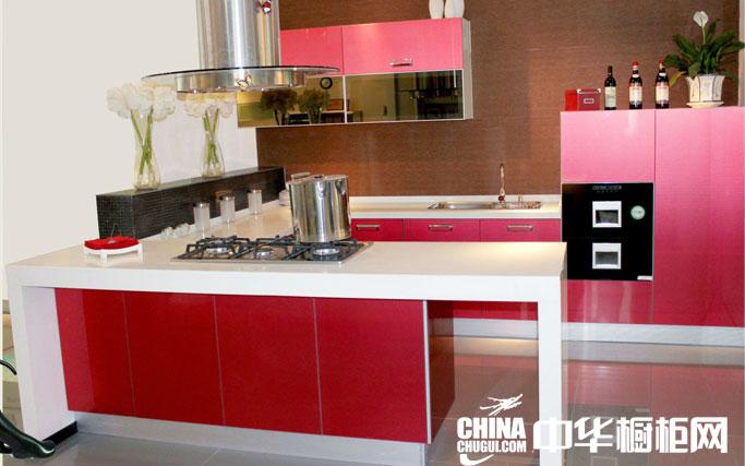 时尚简约厨房橱柜效果图欣赏 红色烤漆橱柜效果图
