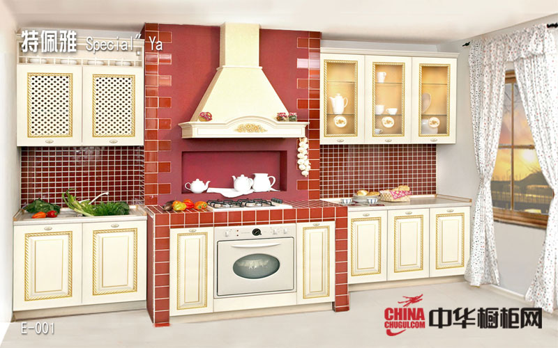 英式田园风厨房橱柜图欣赏 白色实木橱柜设计效果图片