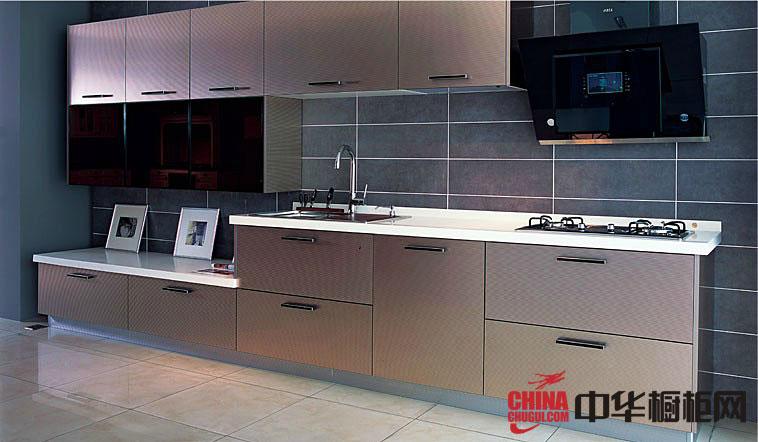 一字型小厨房装修效果图 香槟色烤漆整体橱柜图片欣赏
