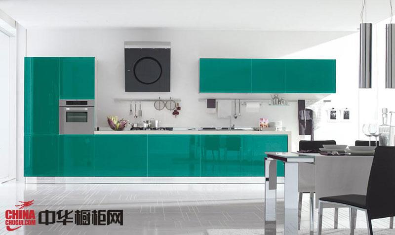 简约风格蓝色烤漆橱柜图片 2013最新款整体橱柜效果图欣赏