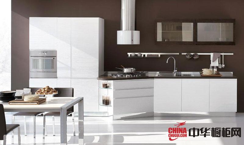 2013年最新款白色烤漆橱柜图片 简约风格整体橱柜效果图