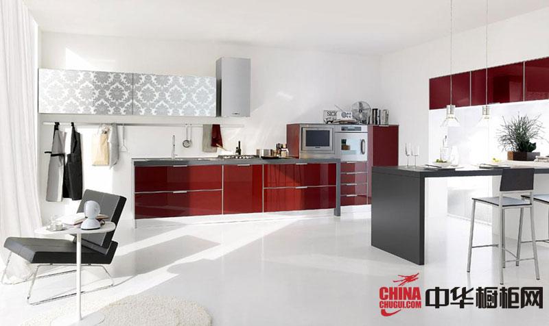 简约风格红色烤漆橱柜图片 开放式厨房装修效果图欣赏:现代简约风格整体橱柜以红色为主题色,使整套橱柜充满动感,热情,属于体现女性主义的现代简约风格。 白色墙面与红色构成强烈的对比,视觉冲击力强... --> 简约风格红色烤漆橱柜图片 开放式厨房装修效果图欣赏:现代简约风格整体橱柜以红色为主题色,使整套橱柜充满动感,热情,属于体现女性主义的现代简约风格。 白色墙面与红色构成强烈的对比,视觉冲击力强,让整个空间热情奔放,搭配了不锈钢的电器,尽显高雅的生活品质。