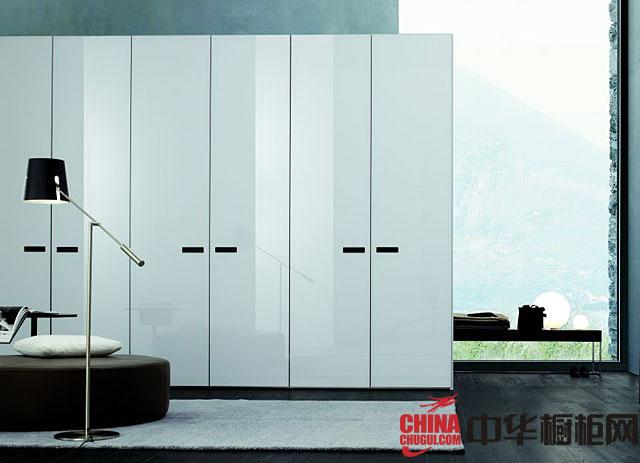 2013最新款整体衣柜图片 白色烤漆大衣柜效果图
