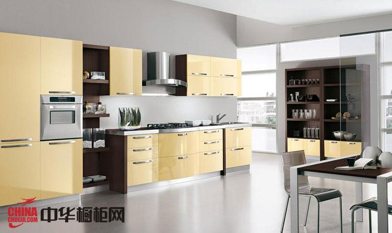 一字型橱柜设计效果图 浅黄色烤漆橱柜图片 现代风格整体厨房装修效果图欣赏