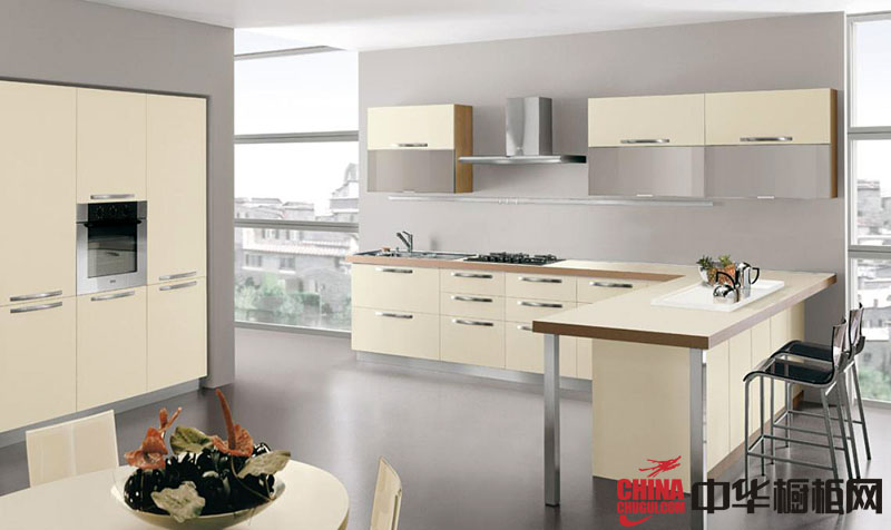米白色L型烤漆橱柜图片 简约风格厨房装修效果图大全2012图片