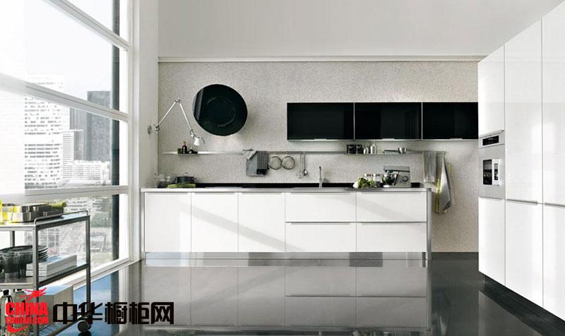 简约风格2013最新款白色烤漆橱柜图片 一字型小户型厨房装修效果图欣赏