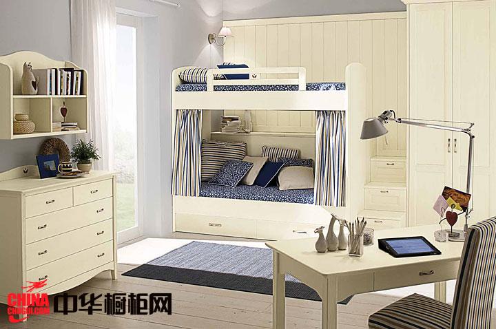 嵌入式整体衣柜设计效果图 儿童卧室衣柜装修效果图:这款简约风格的衣柜是与儿童床结合在一起的嵌入式衣柜,比较注重简洁随性,崇尚自由。体现为单纯与天真。简单的实用的设计,强调回归自然,给人家的温... --> 嵌入式整体衣柜设计效果图 儿童卧室衣柜装修效果图:这款简约风格的衣柜是与儿童床结合在一起的嵌入式衣柜,比较注重简洁随性,崇尚自由。