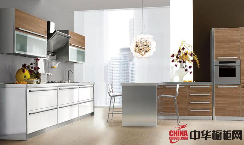 白色烤漆整体橱柜设计图片 开放式厨房装修效果图欣赏
