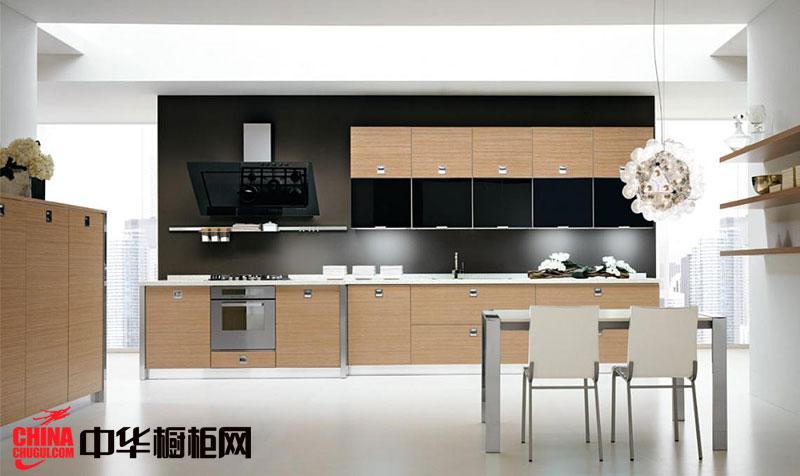 现代简约风格整体橱柜 小户型厨房装修效果图:一字型的橱柜非常适合小户型的装修,原木色的橱柜面板使得橱柜简约不失单调。 --> 现代简约风格整体橱柜 小户型厨房装修效果图:一字型的橱柜非常适合小户型的装修,原木色的橱柜面板使得橱柜简约不失单调。