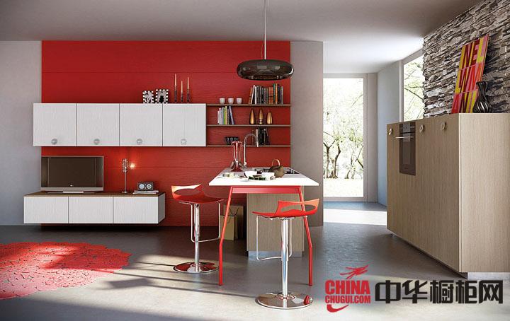小厨房装修效果图 时尚、奔放的红色橱柜