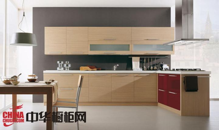 原木色整体橱柜效果图 让你的厨房更具天然韵味