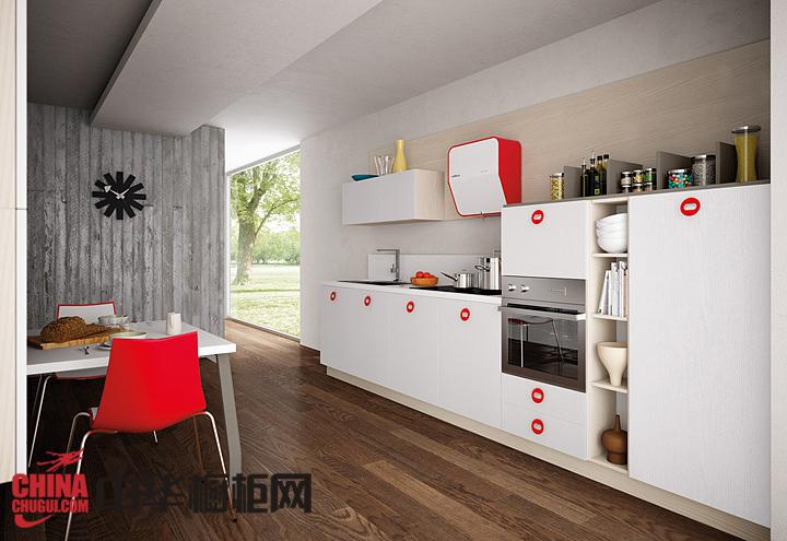 红色烤漆整体橱柜图片 让厨房充满现代时尚感