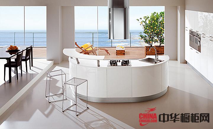 2013最新款整体橱柜图片 原生态厨房让空间更优雅