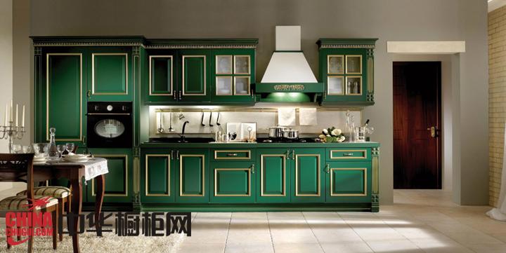 """最新厨房实木整体橱柜图片""""绿色""""厨房满木生香"""