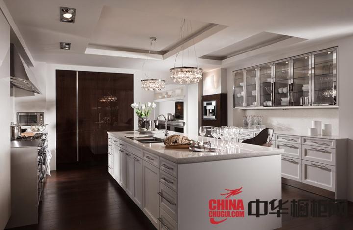 白色北欧风格整体橱柜效果图 开放式厨房装修效果图