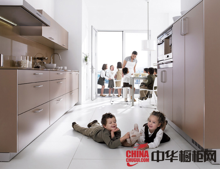 时尚厨房装修效果图 现代风格厨房装修效果图