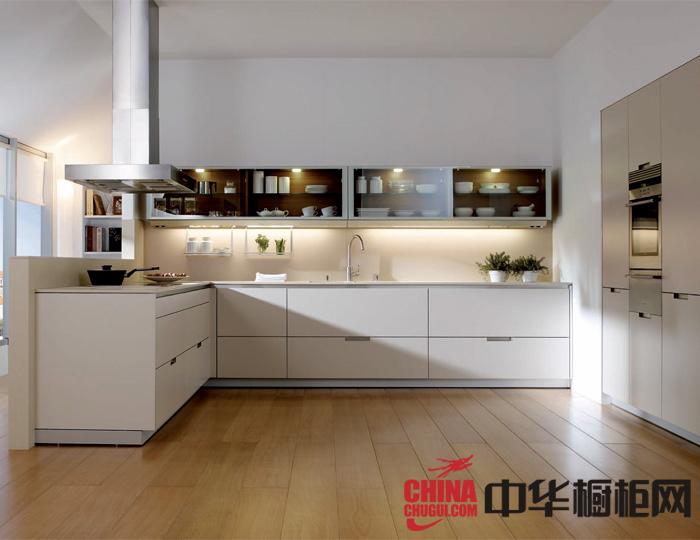 白色整体橱柜效果图 让现代风格在厨房继续上演