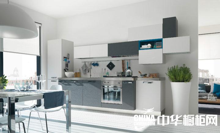 北欧气质小户型厨房装修借鉴,亮丽白色主调的家居空间,简单实用的橱柜,简简单单设计出的明亮空间效果。 --> 北欧气质小户型厨房装修借鉴,亮丽白色主调的家居空间,简单实用的橱柜,简简单单设计出的明亮空间效果。
