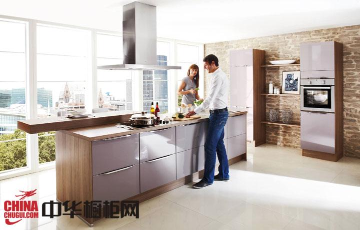 北欧风开放式厨房装修效果图 中岛橱柜设计效果图